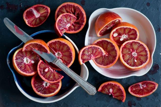 Как есть сицилийский апельсин?