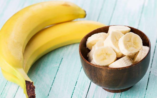Как правильно есть банан?