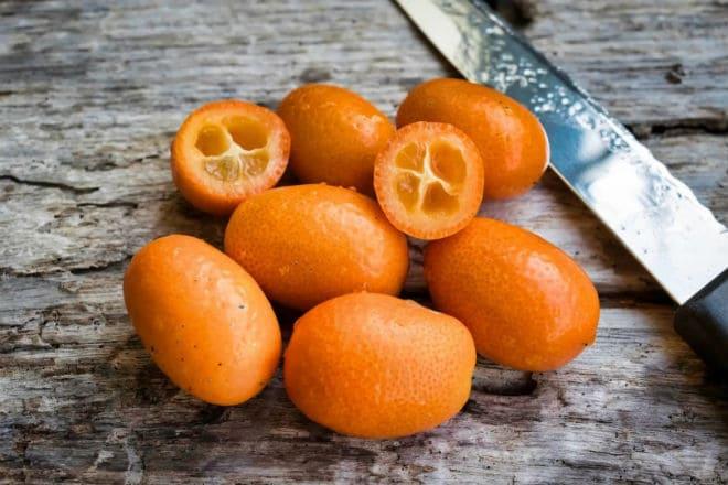 Как едят плоды фортунеллы