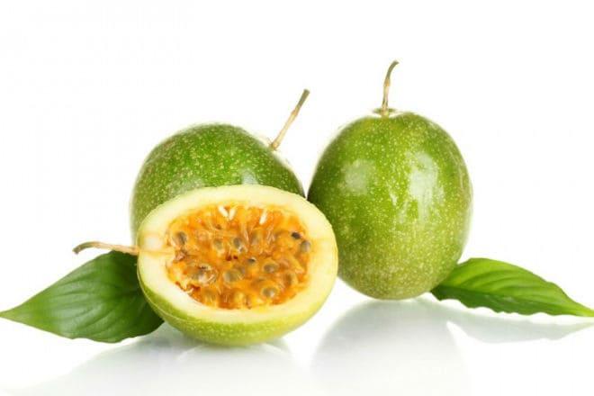 Плоды зеленой маракуйи