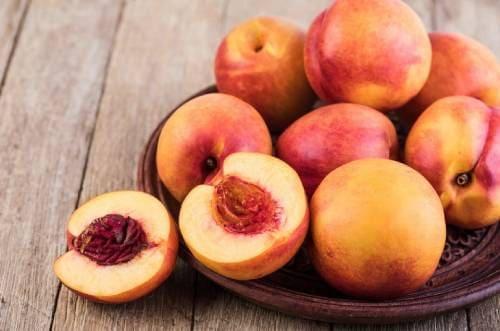 Как едят плоды нектарина?