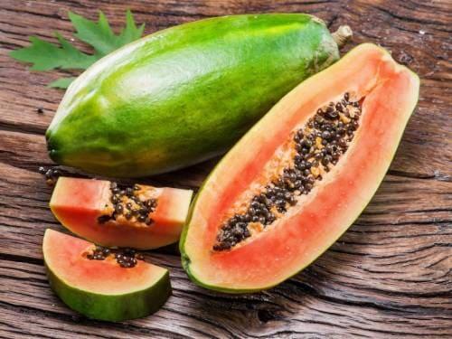 Плод папайи в разрезе