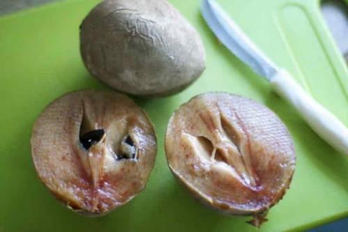 Как едят саподиллу