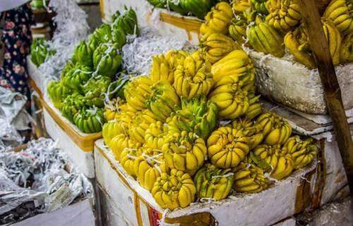 Плоды цитрона пальчатого на азиатском рынке
